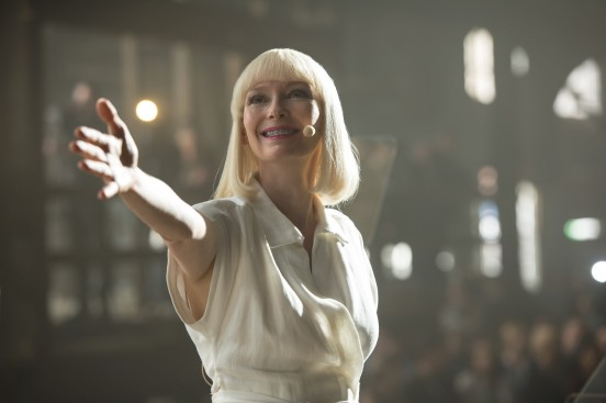 Tilda Swinton dans le rôle d'une des sœurs Mirando, l'actrice avait déjà tourné avec Bong Joon Ho sur Snowpiercer
