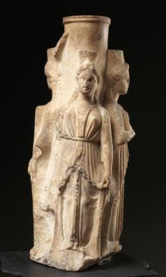 Statuette antique d'Hécate, Musée du Louvre. Photo (C) RMN-Grand Palais (musée du Louvre) / Hervé Lewandowski